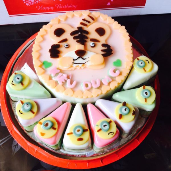 con-cop-va-cupcake