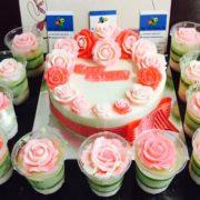 hoa-tron-noi-va-cupcake